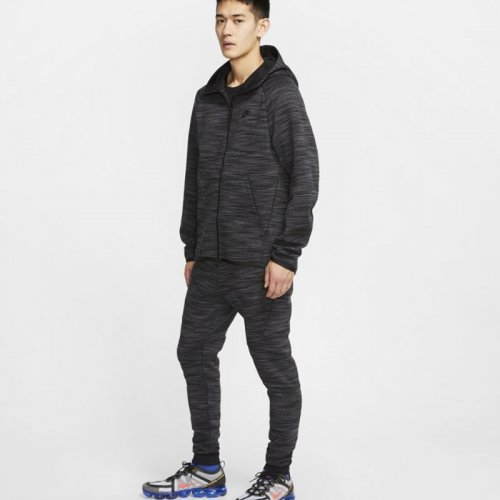 МЪЖКИ ЕКИП NIKE SPORTSWEAR TECH FLEECE